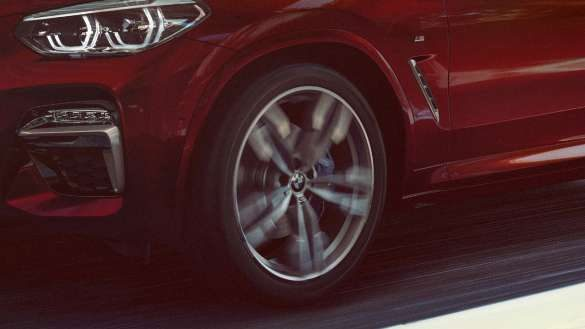 BMW X4 adaptives M Fahrwerk